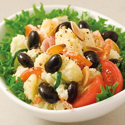蒸し黒豆のポテトサラダ