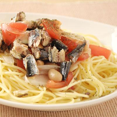 蒸しミックス豆のトマトといわしの冷製パスタ